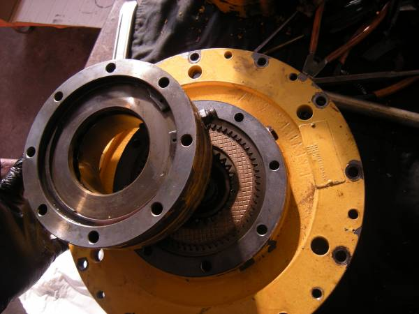 Gruppo freno motore di rotazione
